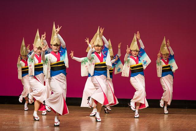 東京新のんき連、セシオン杉並まつりの舞台踊り、女踊りの写真 3