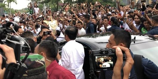 Kedatangan Jokowi di Bali Disambut Ribuan Warga Denpasar