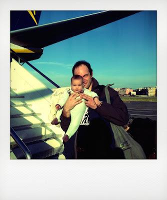 Viaggio aereo per papà e bimba di 3 mesi