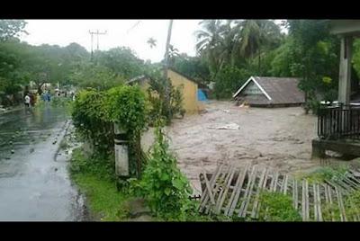 Karena Banjir Besar Banyak Rumah Yang Rusak Dan Kota Bima Diungsikan