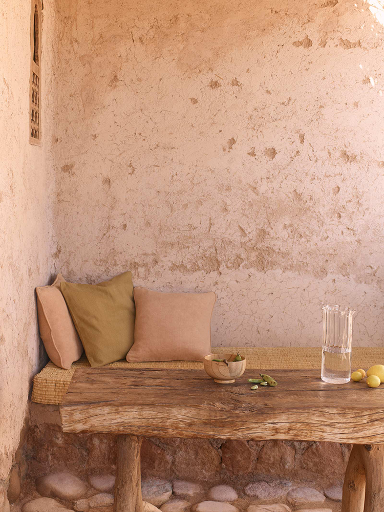 Understated summer luxury by Zara Home, Zara Home Spring Summer 2019 Editorial, rustic bedroom decor, contemporary country interior design