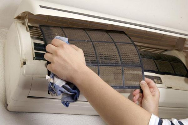 Dịch vụ vệ sinh máy lạnh quận 9 giá rẻ
