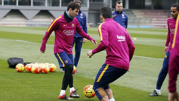 El Barça vuelve a entrenarse con el Sevilla en la mente