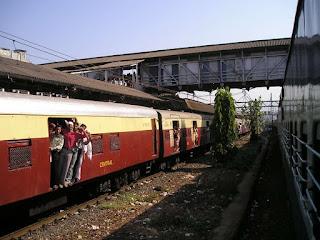 DMU Train Starts Between Sugauli and Patliputra