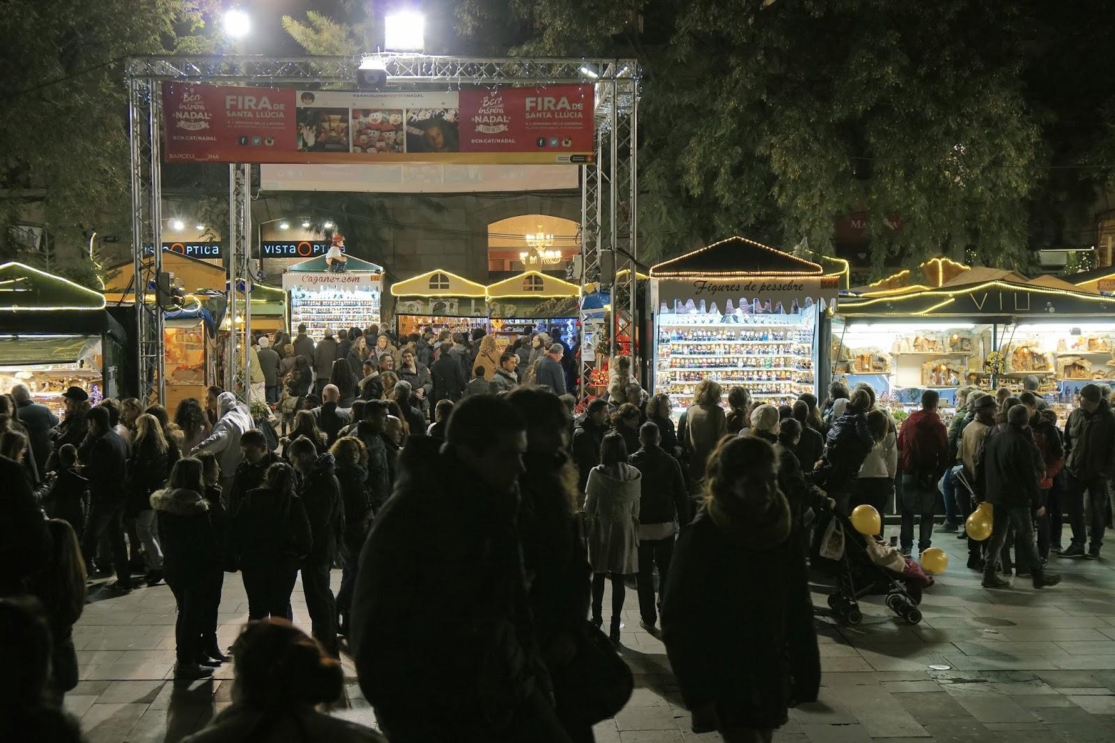 クリスマス・マーケット(Fira de Santa Llúcia)