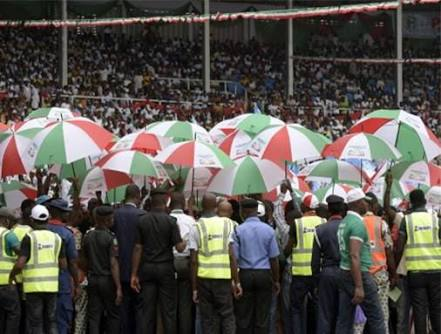 23 PDP House Of Reps Members Threaten To Decamp To APC