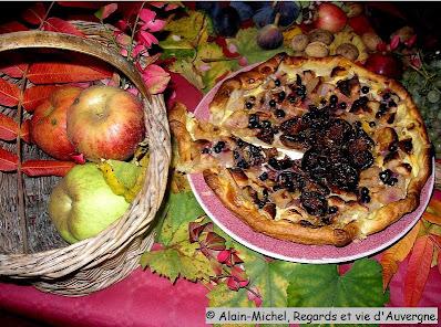 tarte d'automne pommes, raisins, figues.