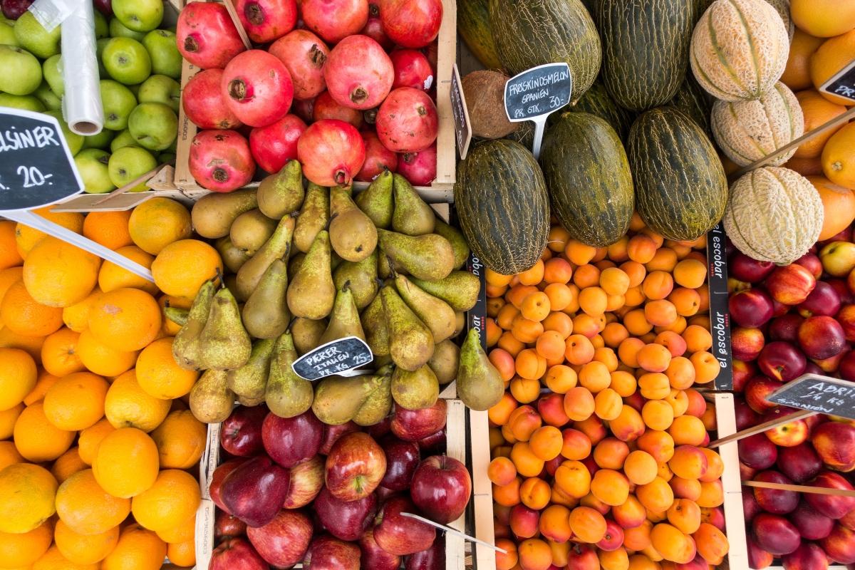 Dziesięć sprawdzonych sposobów na to, by zaoszczędzić pieniądze podczas zakupów spożywczych.