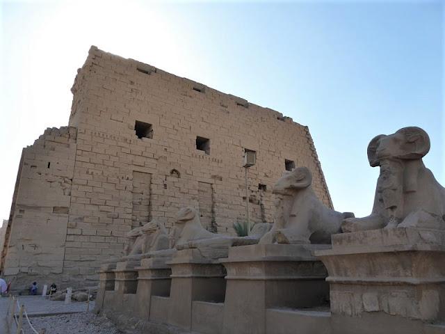 viale degli arieti tempio di karnak