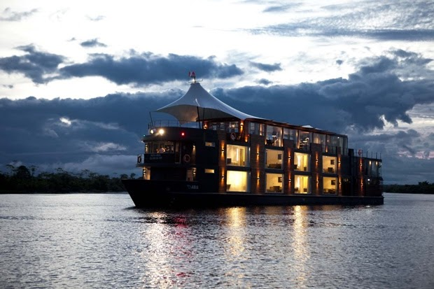 10-Travelling-at-Night-Aqua-Expeditions-Five-Star-Hotel-Aria-Amazon-Floating-Architecture-www-designstack-co