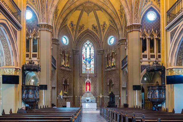 A Catedral de Curitiba - detalhes do interior