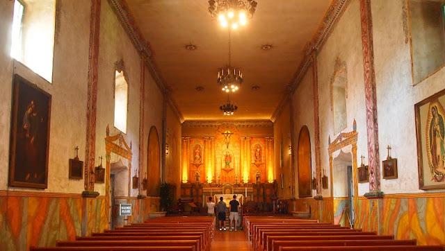 Acervo em Old Mission Santa Bárbara