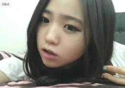 สาวเกาหลีxxxวัยละอ่อนขาวหมวยช่วยตัวเองในห้องน้ำ นมขาวจั๊วะหุ่นน่าเย็ดโคตร