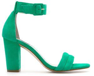 65b87453 Entretanto, se alguém tiver aí para casa dois exemplares esquerdos destas  sandálias, tamanho 38, é favor avisar! Se calhar não fui a única a cometer  este ...