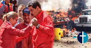 Nicolas Maduro baila mientras en la frontera hay heridos y queman camiones con ayuda Humanitaria.