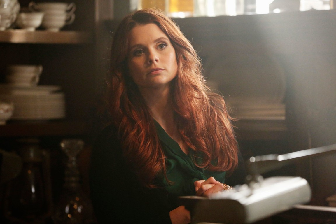 Once Upon A Time - Season 3 Episode 07: Dark Hollow