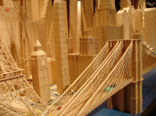 Bangunan dibuat menggunakan Toothpicks