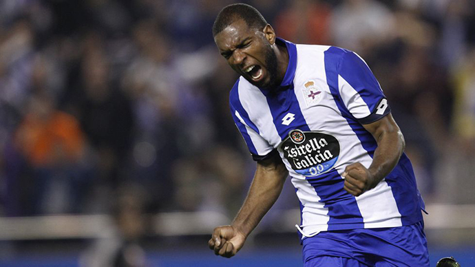 Ryan Babel celebrates goal with Deportivo against Sporting Gijon
