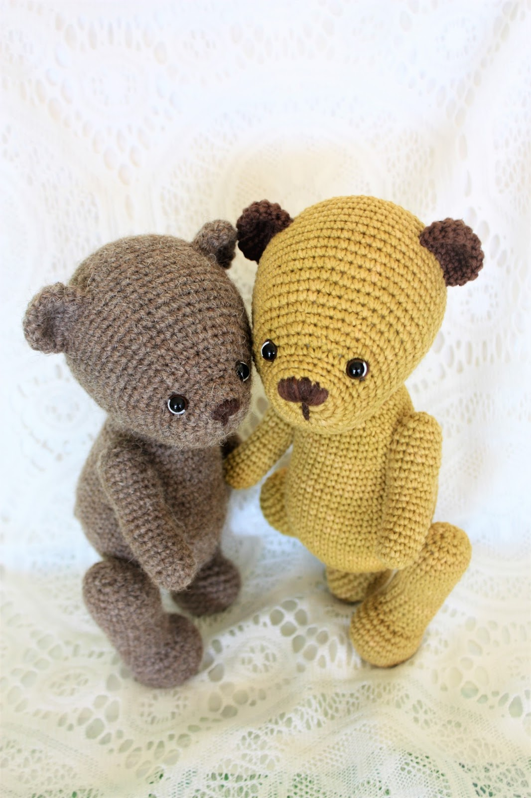 Cuddle Me Bear amigurumi pattern - Amigurumi Today | 1600x1066
