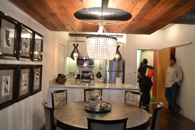 Dwell Labs A Tour Of 4 Loft Style Apartments At Met Lofts Los Angeles Coz