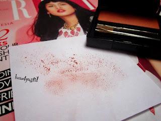 swatch-warna-make-over-03-promiscious-peach-blush-on.jpg