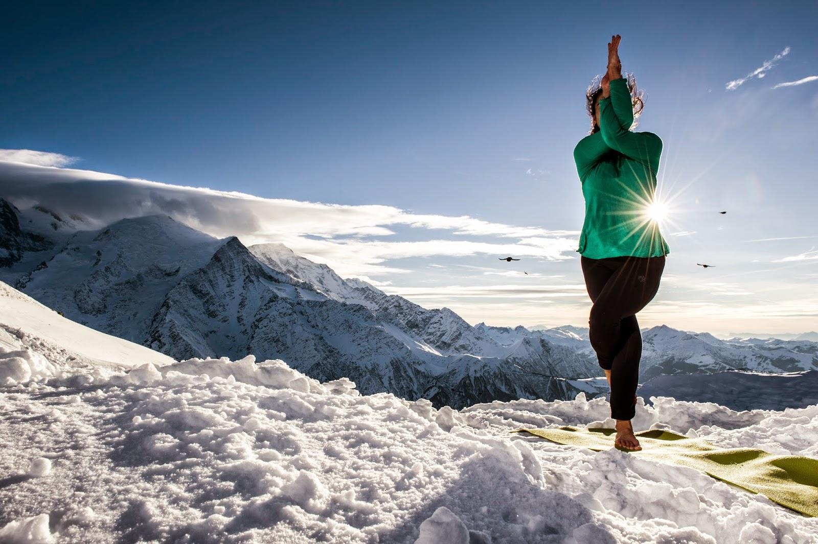 SADHANA el sendero del Yoga Garudasana la postura del águila ...