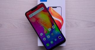 Vivo Electronics Corp merupakan sebuah perbisnisan berbasis brand telepon yang bangun semenjak t Spesifikasi Vivo Y83, RAM 4GB dan Android Oreao (8.0)