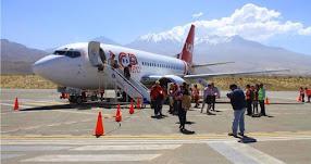 Aerolínea volverá a ofrecer medio pasaje para universitarios