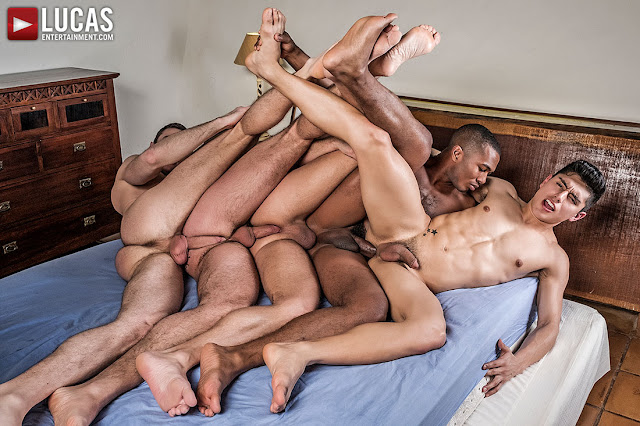 KEN SUMMERS LEADS A FIVE-MAN DOUBLE PENETRATION ORGY