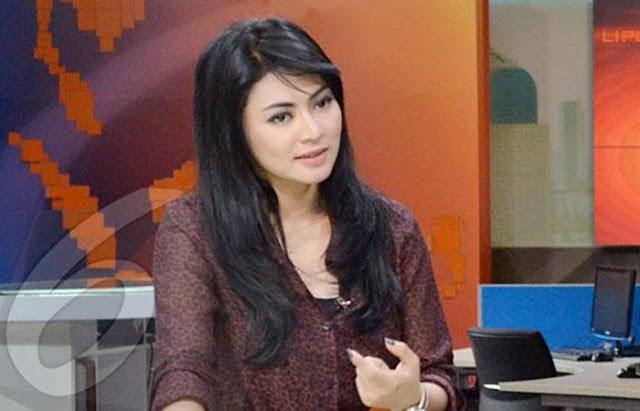 Artis Seksi Cantik Indonesia Yang Lepas Jilbab