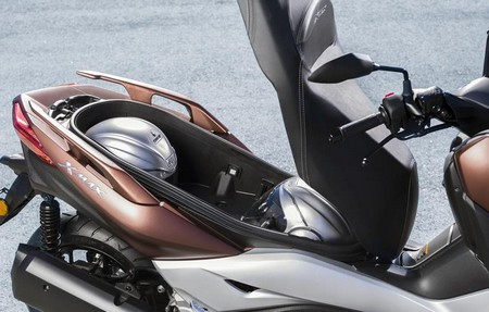 Review Yamaha XMAX 300