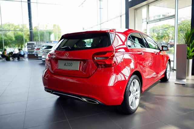 Đuôi xe Mercedes A200 2019 được tạo hình khá thanh thoát mềm mại