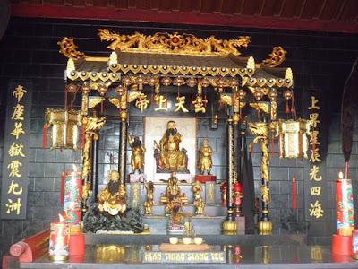 Altar Dewa Dewi