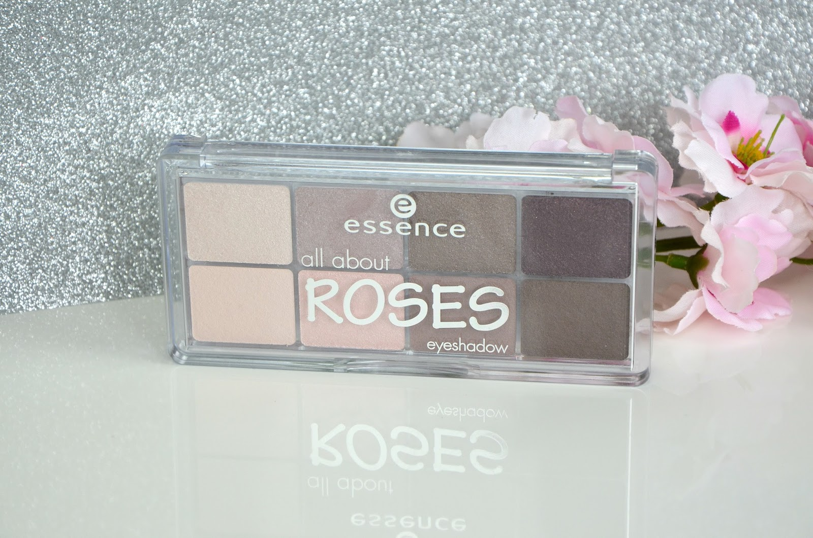 Essence palette All about roses eyeshadow