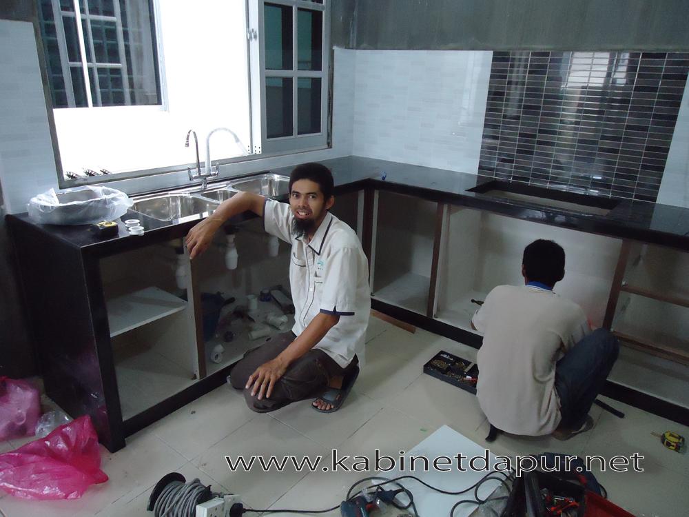 Ini Projek Kabinet Kami Bulan Jun 2017 Tuan Rumah Encik Helmi Memilih Dapur Top Konkrit Pintu Melamine Aluminium