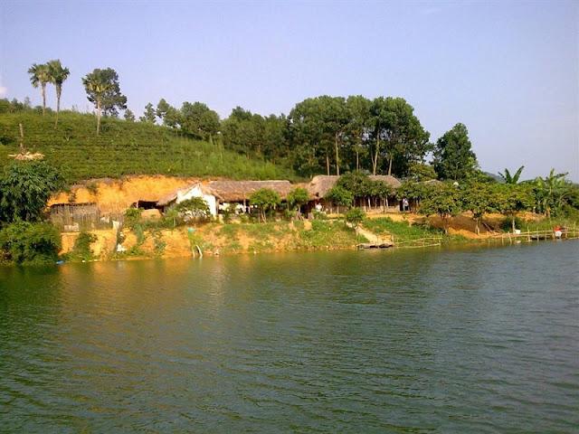 Ao Chau Pond – a mini Ha Long Bay 1