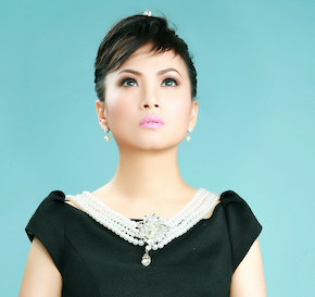 Actress Ha Phuong