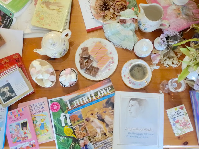 a reading arty table