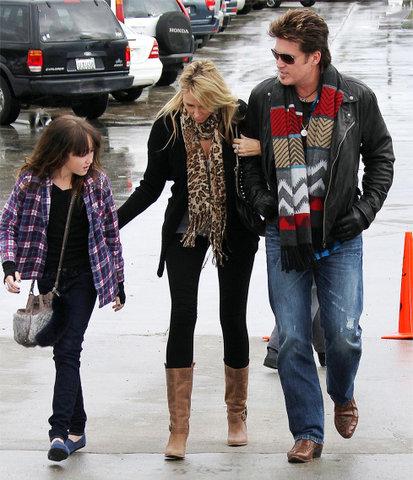Noah Cyrus Is Dating Pierce Brosnan's Son - Oh No They Didn't!  Pierce Brosnan Son And Noah Cyrus
