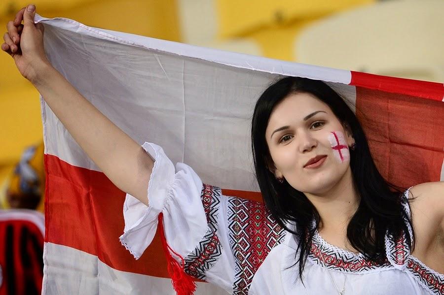koleksi foto suporter wanita cantik di piala dunia 2014