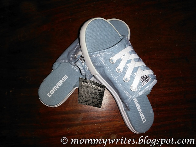 Footwear Review  Chuck Taylor All Star Cutaway EVO Canvas Sandals ... fe90870fb