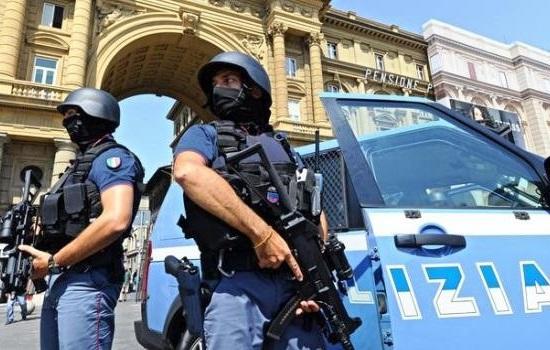 Risultati immagini per foto della polizia