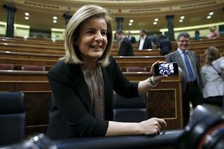 """La subida del paro no perturba a la ministra Báñez: """"El empleo ha venido para quedarse"""""""