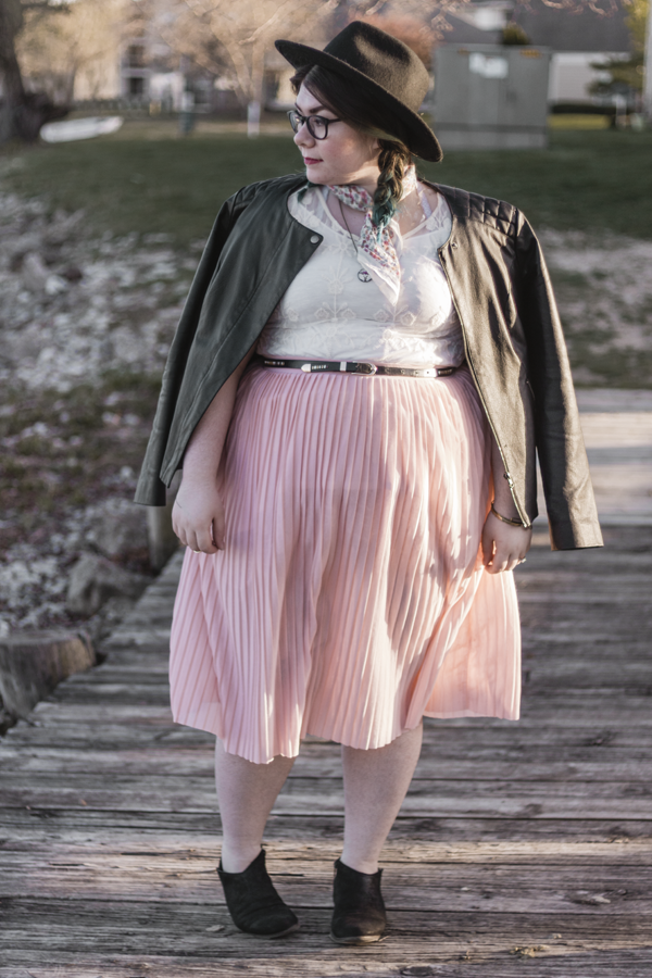 watercolors katielikeme.com outfit pleated skirt lace
