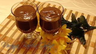 Pyszny deser czekoladowy