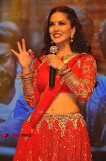 Bollywood Actress Model Sunny Leone Dance Performance in Red Half Saree at Rogue Audio Launch 13 March 2017  0015.jpg