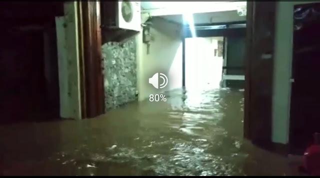 Karma? Basis Pendukung Anies Tenggelam, Di Masa Ahok Tak Terdengar Kabar Banjir Lagi, Eh Dengan Cepatnya Cililitan Kecil Tenggelam Oleh Air Deras Ini, Simak Video Terkini Dari Lokasi