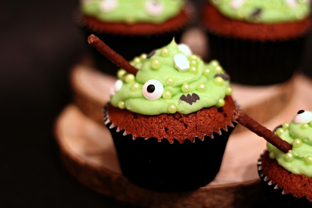 Toil and Trouble Cauldron Cupcakes