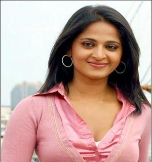 Anushka Glamorous tamil actress