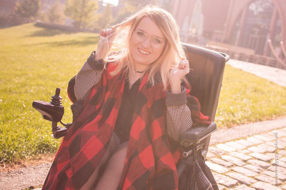 stylizacja blog inspiracja ponczo jak nosić